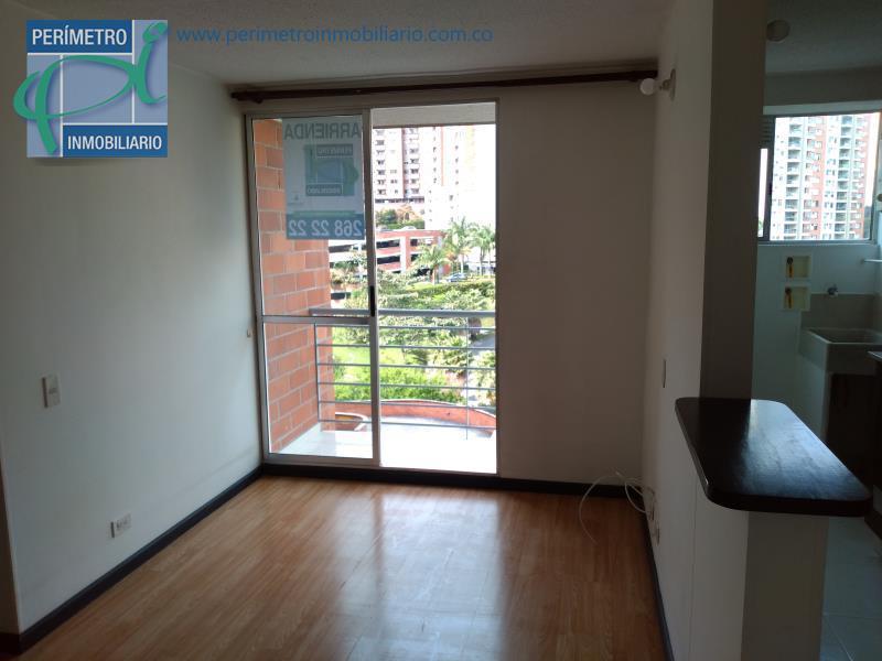 Apartamento en Arriendo en Medellin - La Loma De Los Bernal